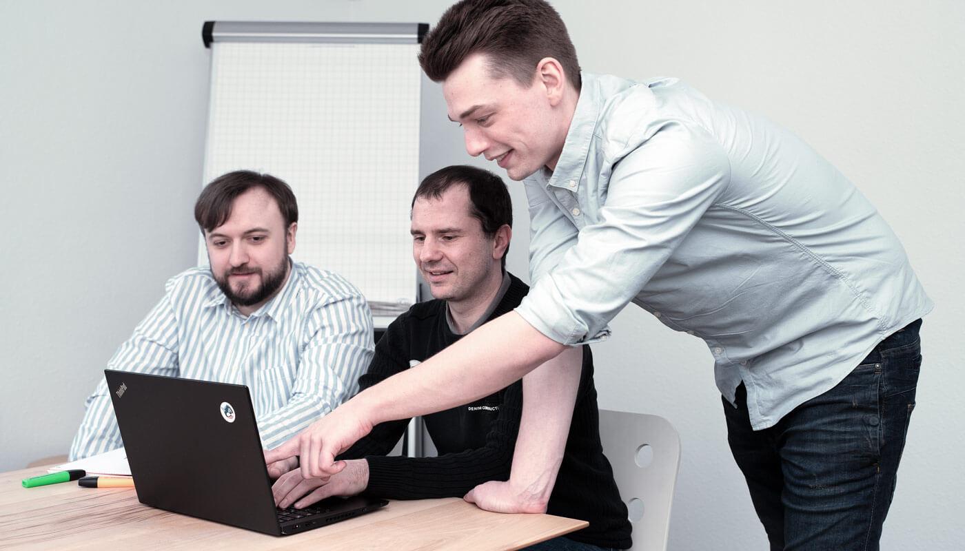 grafik designer stuttgart - dt media group - arocom
